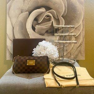 Louis Vuitton Damier Ebene Eva Clutch